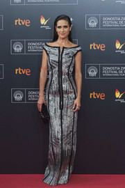 Jennifer Connelly brought lots of sparkle to the San Sebastian Film Festival premiere of 'American Pastoral' with this silver off-the-shoulder sequin gown by--you guessed it--Louis Vuitton.