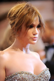 Although Jennifer Lopez looked stunning at the MET Gala, her messy updo fell a little flat.