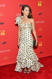 Keri Russell was a total charmer in a one-shoulder polka-dot mermaid gown by Johanna Ortiz at the premiere of 'The Americans' season 6.