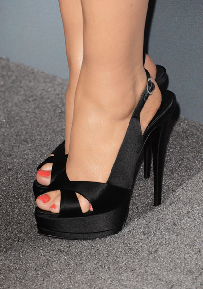 Amy Poehler Slingbacks