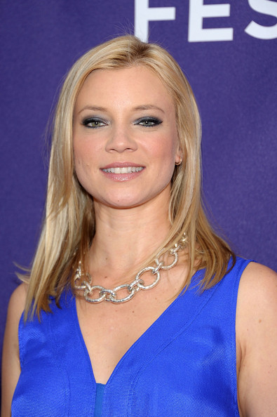 Amy Smart Metallic Eyeshadow