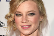 Amy Smart Retro Updo