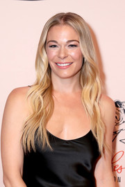 LeAnn Rimes sported her usual long center-parted waves at the 'Opry Salute to Ray Charles.'