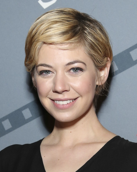 Analeigh Tipton Short Side Part [hair,face,hairstyle,eyebrow,blond,chin,forehead,head,lip,beauty,analeigh tipton,analeigh tipton rising star award closing night,savannah,georgia,scad presents 17th annual savannah film festival,festival awards ceremony]