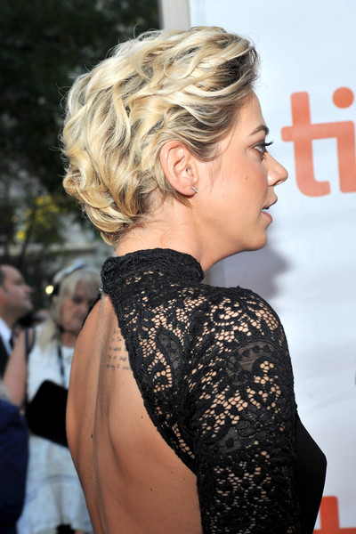 Analeigh Tipton Short Wavy Cut [mississippi grind,hair,hairstyle,blond,shoulder,bun,long hair,chignon,joint,neck,premiere,arrivals,analeigh tipton,toronto,canada,roy thomson hall,toronto international film festival,premiere]