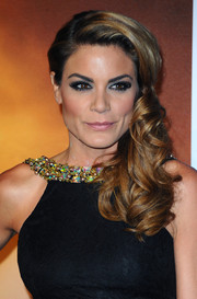 Charlotte Jackson was perfectly styled with this curly side sweep during the premiere of 'Anchorman 2.'