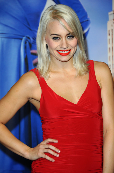 More Pics of Kimberly Wyatt Medium Straight Cut (1 of 7) - Shoulder Length Hairstyles Lookbook - StyleBistro