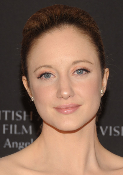 Andrea Riseborough Metallic Eyeshadow