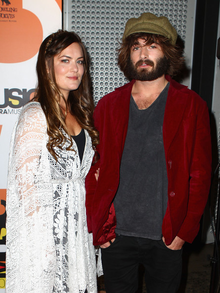 Angus Stone Clothes