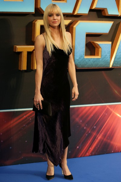 Anna Faris Evening Pumps [guardians of the galaxy vol. 2,photograph,photo,clothing,red carpet,fashion,carpet,dress,shoulder,fashion model,little black dress,long hair,flooring,arrivals,anna faris,european,gala screening,arrival,screening,european gala]