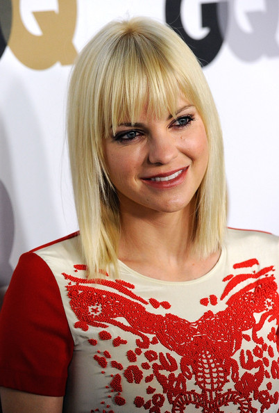 Anna Faris Medium Straight Cut with Bangs [men of the year,hair,blond,face,hairstyle,bangs,red,beauty,layered hair,bob cut,chin,party - arrivals,anna faris,california,los angeles,chateau marmont,gq,party]