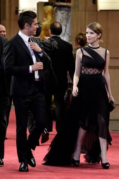 Stars Leave the Academy Awards