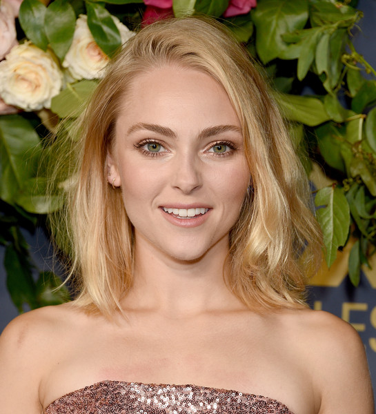 AnnaSophia Robb Mid-Length Bob [hair,blond,face,hairstyle,beauty,eyebrow,lip,long hair,smile,shoulder,arrivals,annasophia robb,emmy,los angeles,california,walt disney television,party,walt disney television emmy party]