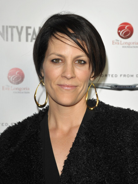 Annabeth Gish Bob [hair,hairstyle,eyebrow,lip,black hair,white-collar worker,bob cut,smile,layered hair,long hair,eva longoria,annabeth gish,beso hollywood,vanity fair,chrysler celebration of the eva longoria foundation,eva longoria foundation,celebration]