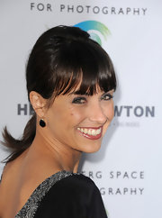 Constance Zimmer teased her ponytail for a little bit of volume and height.
