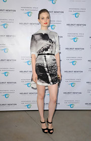 Bella rocked a black and white printed frock that featured a sharp, point collar.