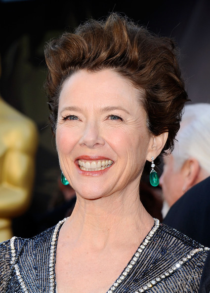 Annette Bening Fauxhawk [hair,face,hairstyle,facial expression,eyebrow,chin,beauty,smile,lip,forehead,arrivals,annette bening,hollywood,california,kodak theatre,annual academy awards]