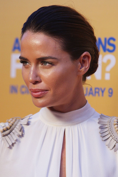 Jodi Gordon wore a sleek classic bun at the premiere of 'Any Questions for Ben.'