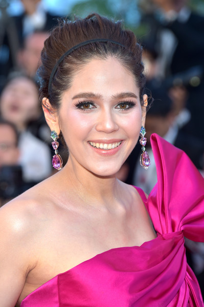 Araya Hargate Beehive [hair,hairstyle,eyebrow,beauty,skin,lip,chin,premiere,forehead,long hair,red carpet arrivals,beats per minute,screening,cannes,france,araya hargate,cannes film festival,palais des festivals]