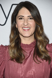 D'Arcy Carden wore her hair down in a glamorous wavy style while attending 'A Conversation with Abbi Jacobson and Ilana Glazer.'