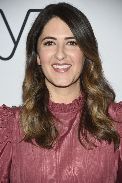 D'Arcy Carden Long Wavy Cut [darcy carden in conversation with abbi jacobson,hair,face,hairstyle,eyebrow,brown hair,lip,long hair,beauty,layered hair,hair coloring,ilana glazer,abbi jacobson,darcy carden,ilana glazerat,conversation,new york city,92nd street y]