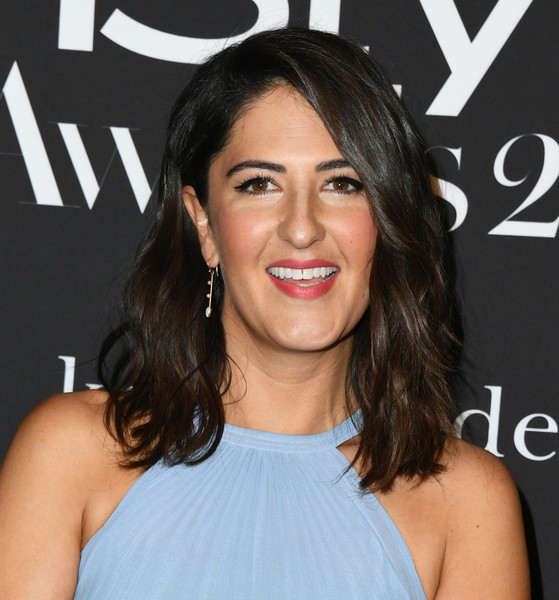 D'Arcy Carden Medium Wavy Cut [hair,face,hairstyle,eyebrow,shoulder,lip,beauty,chin,brown hair,black hair,arrivals,darcy carden,instyle awards,the getty center,los angeles,california]