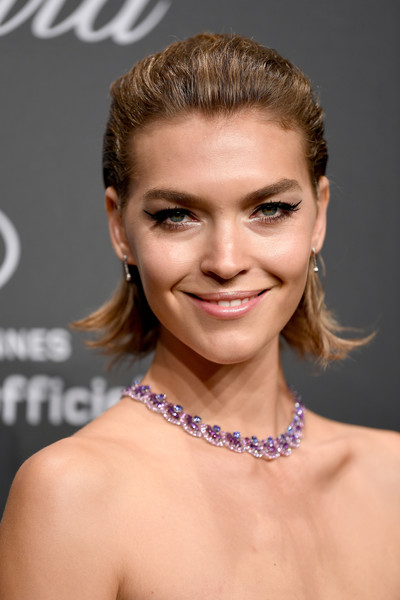 Arizona Muse Short Straight Cut [jewellery,eyebrow,beauty,fashion model,hairstyle,chin,shoulder,cheek,forehead,long hair,caroline scheufele,arizona muse,rihanna,chopard space party - photocall,cannes,france,port canto,chopard space party,chopard,cannes film festival]