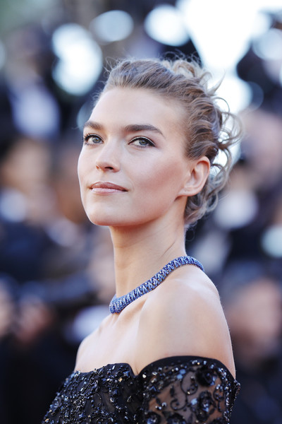 Arizona Muse Pinned Up Ringlets [hair,face,hairstyle,eyebrow,beauty,fashion,skin,fashion model,lip,chin,red carpet arrivals,arizona muse,beats per minute,screening,cannes,france,cannes film festival,palais des festivals]