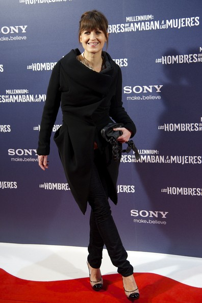 Arly Jover Pumps [red carpet,carpet,clothing,premiere,footwear,fashion,flooring,event,outerwear,shoe,arly jover,spansih,the girl with the dragon tattoo,madrid premiere,los hombres que no amaban a las mujeres premiere at callao cinema on january 4,madrid,spain]