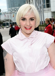 Lena Dunham worked a platinum-blond bowl cut during the Emmys.