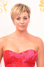Kaley Cuoco pulled off this disheveled pixie at the Emmys.