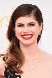 Alexandra Daddario's bright red lip provided just the right pop her neutral outfit was begging for.