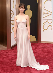 Cristin Milioti went for a simple strapless silk Reem Acra gown with a long train for the 2014 Academy Awards.