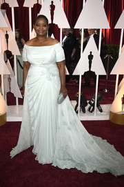 Octavia Spencer looked very queenly at the Oscars in a pale-mint off-the-shoulder gown by her go-to designer, Tadashi Shoji.