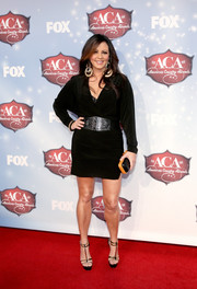 Sara Evans completed her sexy ensemble with a pair of T-strap platform sandals.