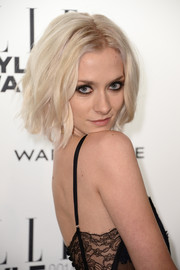 Portia Freeman topped off her Elle Style Awards look with an edgy yet cute short wavy 'do.