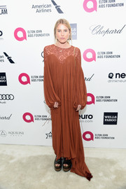 Dree Hemingway's baggy rust-colored Chloe maxi dress at Elton John's Oscar-viewing party looked good enough to sleep in.
