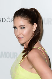 Lisa Snowdon opted for a high ponytail for a fun and playful red carpet look.