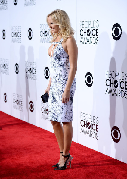More Pics of Malin Akerman Medium Wavy Cut (1 of 20) - Medium Wavy Cut Lookbook - StyleBistro