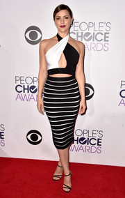 Katharine McPhee looked va-va-voom at the People's Choice Awards in a black-and-white Balmain halter top that served up a double dose of sexiness with its cropped silhouette and keyhole cutout.