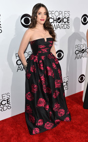 Kat Dennings looked fetching in a strapless rose-print gown by David Meister Signature during the People's Choice Awards.