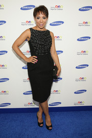 Selenis Leyva opted for a classic sleeveless LBD with an embellished bodice when she attended the Hope for Children Gala.