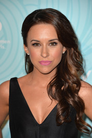 Lacey Chabert stepped up the sweetness with a lovely pink lip color.