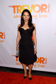 Lucy Liu looked sweet on the TrevorLive red carpet in a Carolina Herrera strapless LBD with a bow neckline.