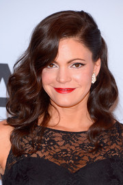 Angaleena Presley was retro-glam at the CMA Awards with this half-up half-down curly 'do.