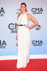 Faith Hill looked downright divine at the CMA Awards in a white Lanvin evening dress with a belly-grazing neckline.