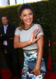 Jessica Szohr arrived for the ESPYs carrying a chic blue croc-embossed envelope clutch.