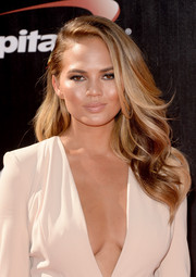 Chrissy Teigen looked gorgeous with her high-volume waves during the ESPYs.