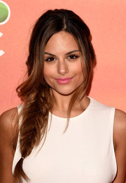 Pia Toscano attended the iHeartRadio Music Awards wearing a romantic loose fishtail braid.