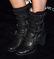 Bree topped her look off with cool buckle boots that gave her a hard hitting street wear look.